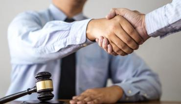 What Are the Signs of a Qualified, Competent Lawyer?